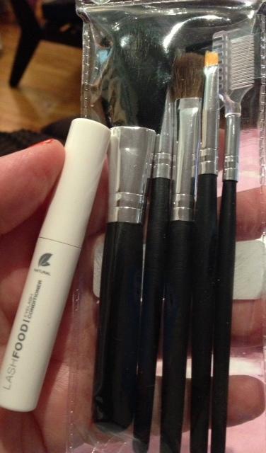 Long lashes, little brushes.